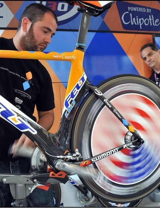 A Garmin-Chipotle mechanic readies a Felt under the watchful eye of US president Bill Duehring in France.