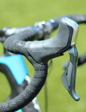 The top-end VR2 (there is no VR1, yet) features Shimano Ultegra Di2