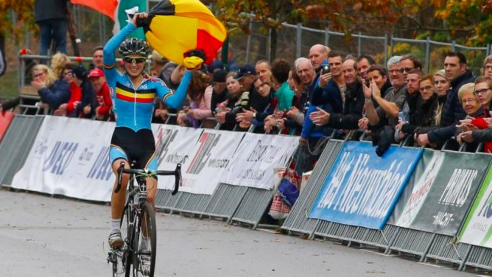 femke_van_den_driessche_mechanical_doping-1454802603238-1w17uju19lvtu-1000-90-b4b740b