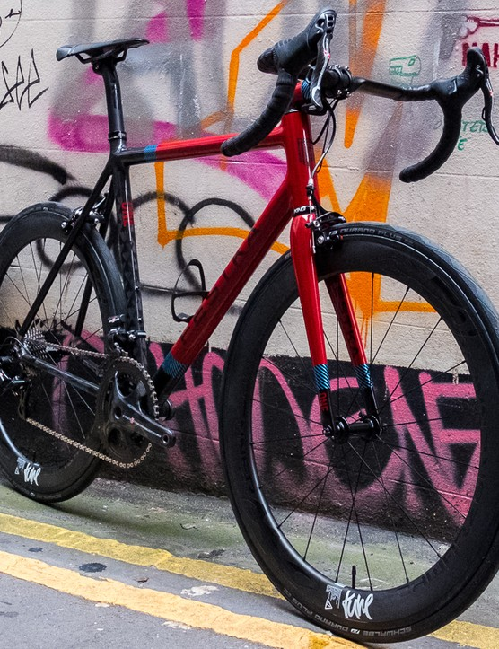 The bike features an exceedingly jazzy paint job and we love it