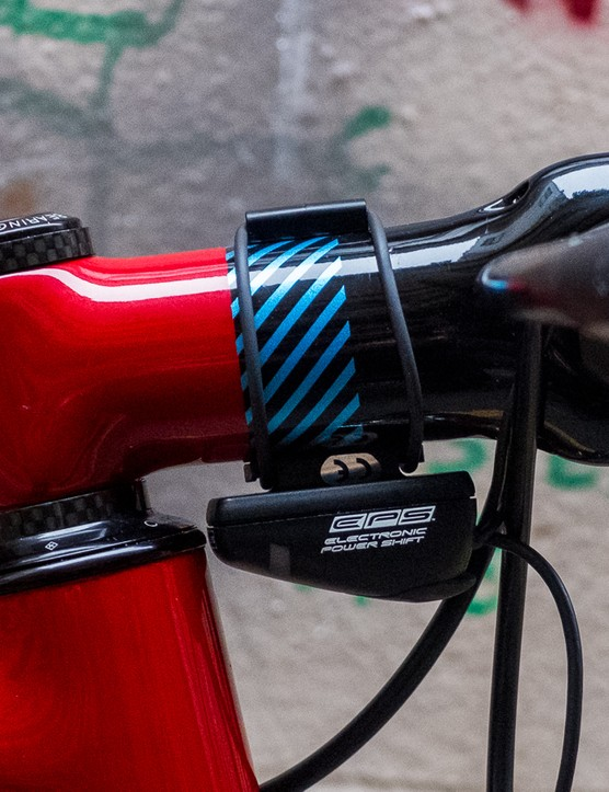 The ENVE Road stem is also painted to match