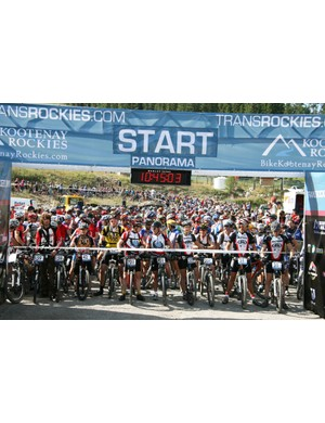 15 minutes to the start for the 600 riders in the 2007 TransRockies