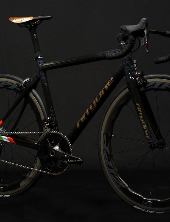 The build spares no expense with SRAM eTap and Zipp's sawtooth-shaped 454 wheels