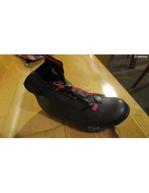 The Artica X5 boot features a full waterproof membrane to block out the wettest of weather