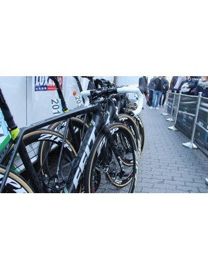 We only saw five bikes with discs at the Tour of Flanders
