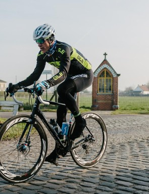 Flanders cobbles on a 1x road bike with Zipp 404s? There is a first time for everything
