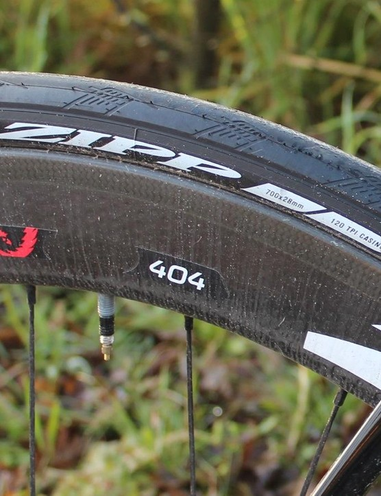 Zipp 404s with disc brakes and 28mm cinchers? That's a first. And you know what, it felt great on the cobbles and on the windswept flats