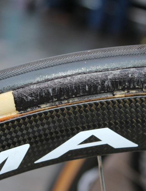 Some Astana riders had Specialized-branded tubulars. Others had these, likely FMBs