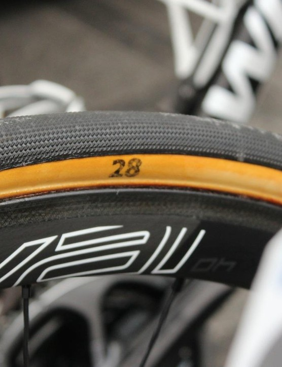 Vandenbergh and Etixx teammate Matteo Trentini opted for 28mm tubulars; the rest of the team used 26