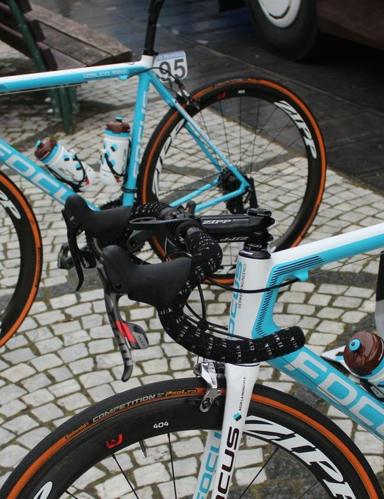Most AG2R bikes have SRAM's wireless eTap drivetrain, but the odd mechanical group can be spotted now and again