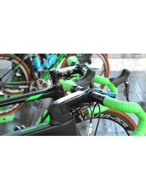 Orica-Greenedge has a mix of integrated Scott Foil stems and standard options