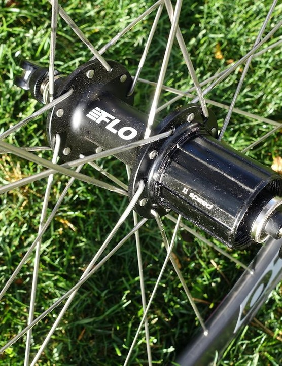 The rear hub also uses stainless steel sealed bearings and 24 spokes laced with two crosses