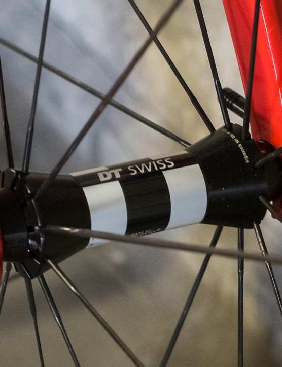 The Flux 350R wheels spin on DT Swiss 350 hubs and are laced with Sapim CX Ray spokes