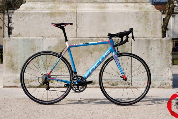 The Focus Cayo 105 Mix is a whole lot of frameset for a fairly modest price tag