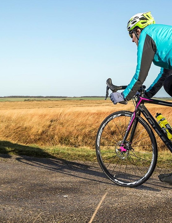 If you prefer an uncompromising and stretched-out ride, the Cayo Donna is definitely worth a look –though you may want to size down