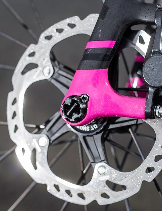 The 160mm Shimano rotors deliver stopping power rim brakes can only dream of