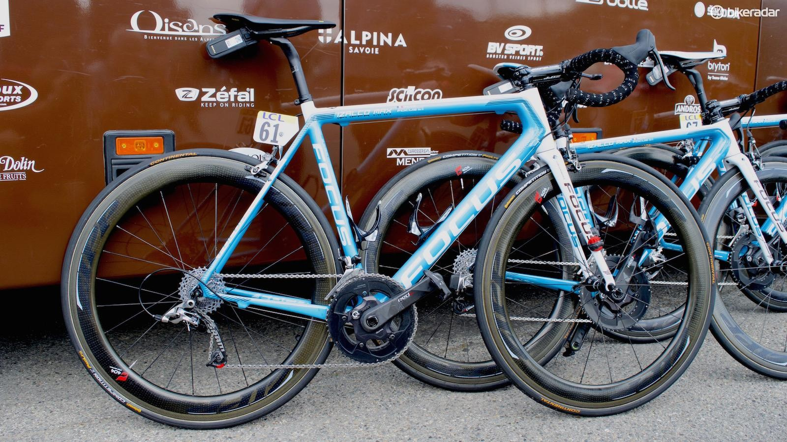 A mechanical version of SRAM Red was also seen equipped on another of the Frenchman's bikes
