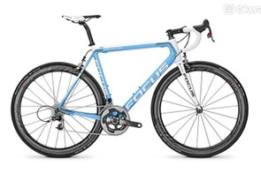 Our 2016 Focus Izalco Max AG2R came in a Red spec –and it was good to be reminded of the top-end SRAM mechanical group's qualities