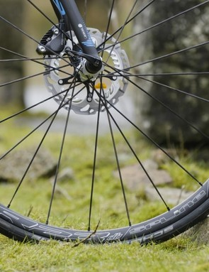 The disc brakes' benefits are apparent when you point the Focus downhill