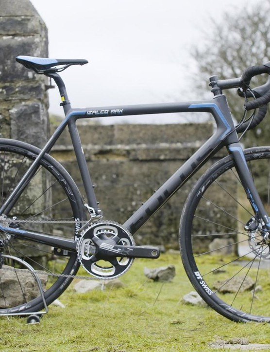 The Focus Izalco Max Disc is a bona fide superbike