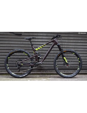 The Focus Jam is described as a trail bike for all occasions and gets the patented new F.O.L.D rear suspension design