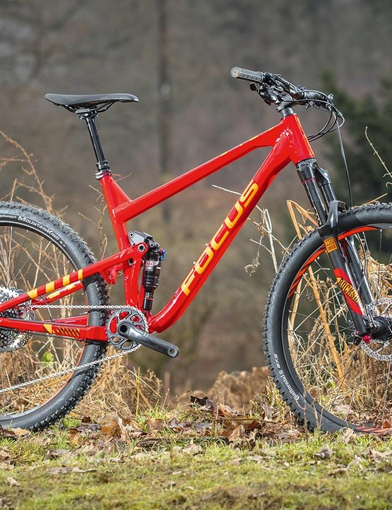 The 6066 alloy frame is almost as light as the carbon fibre Jam C Factory