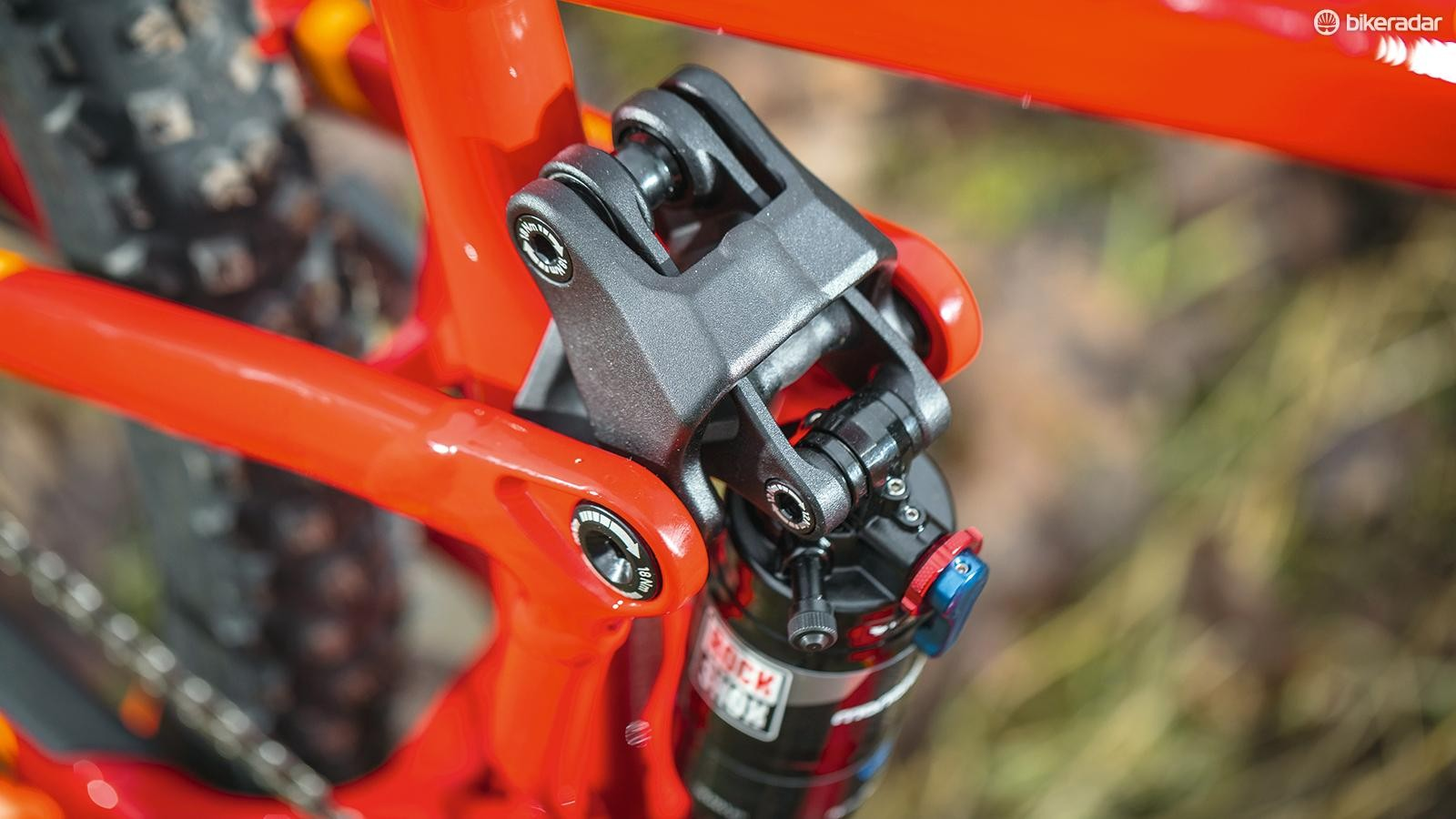 The FOLD linkage system flexes for an excellent suspension