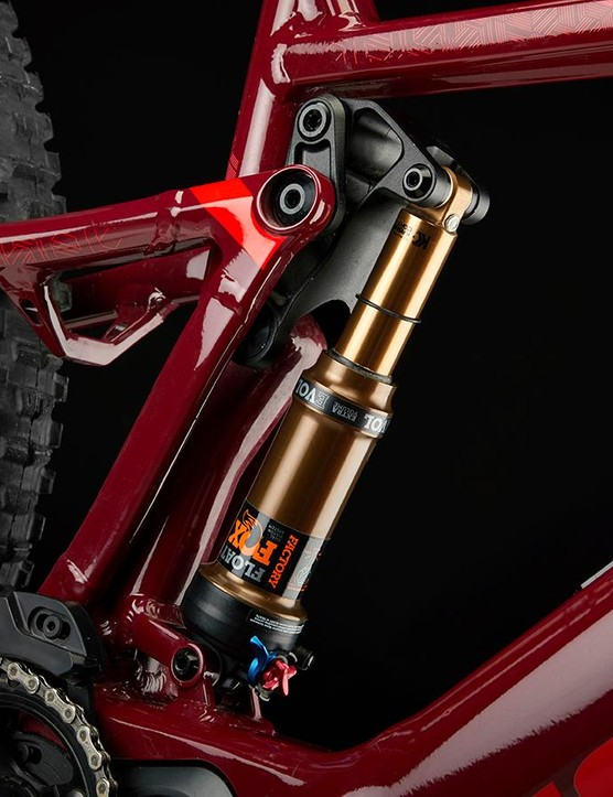 The Sam uses a longer travel versin of the FOLD suspension system used on the Jam