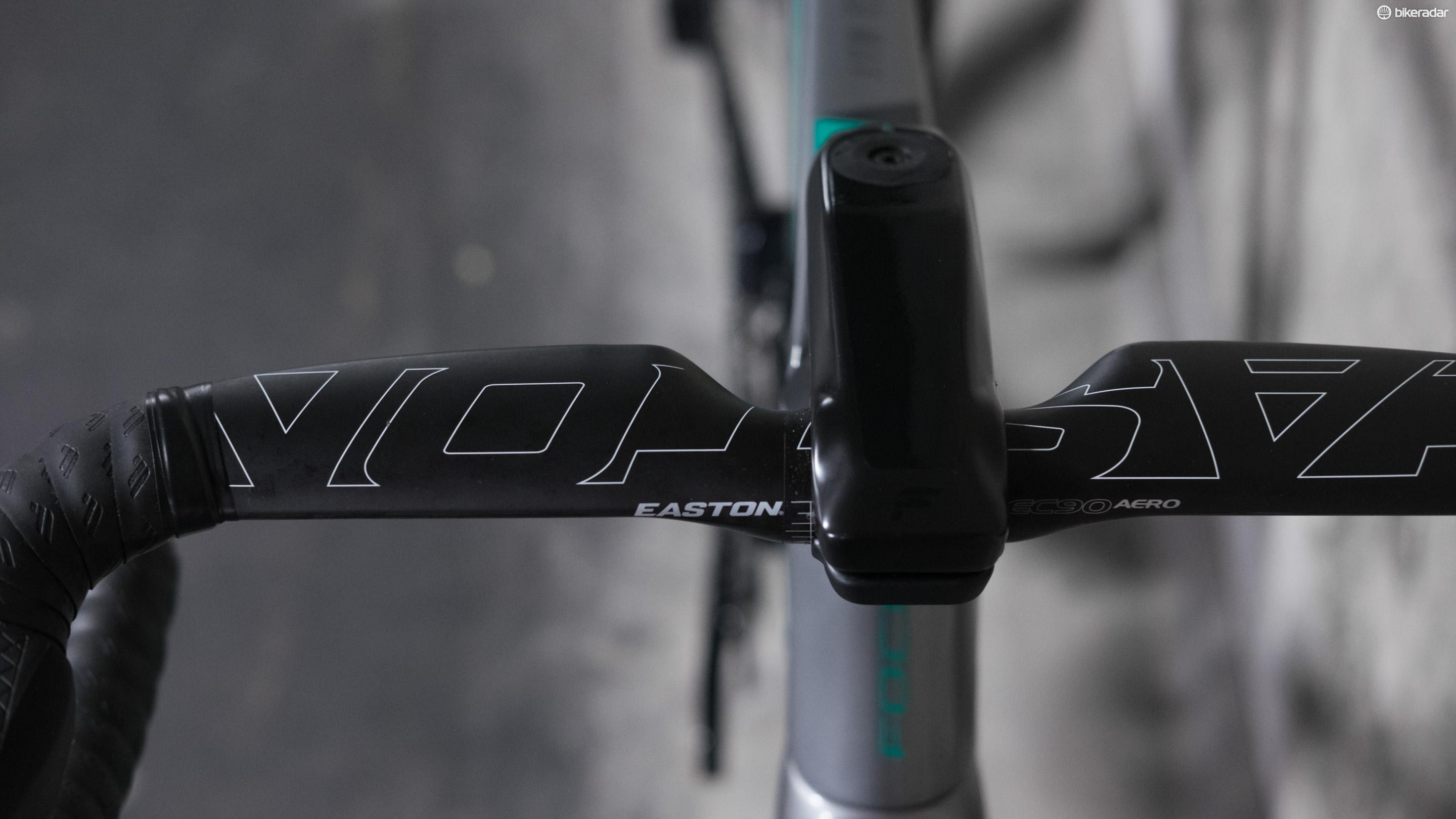 The carbon stem is neatly integrated into the overall design