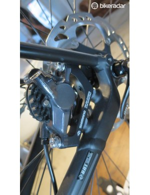 The AL Paralane, like the carbon, uses flat-mount discs front and rear