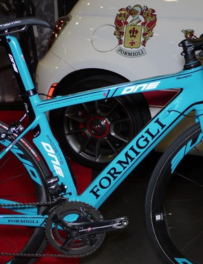 Renzo Formigli learned framebuilding from Cino Cinelli. In 1990 he founded Formigli Cycles and built in steel and aluminum until entering the carbon world. His frames are 100% made in Italy and will never be mass-produced or mass-marketed