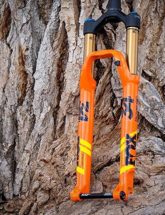 The Fox 34 Step-Cast is a lighter, 120mm version of the 34 suitable for aggressive cross-country racing