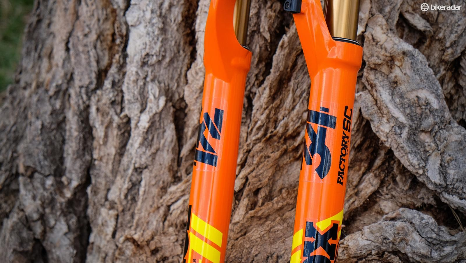The 34 chassis was designed for trail bikes, the 34SC is targeted at race-worthy 29er trail bikes