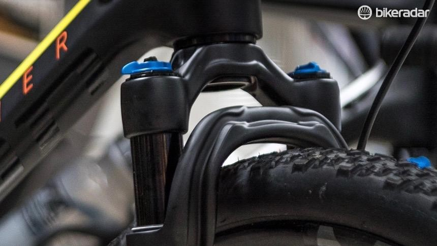 Not a lot of clearance between adjustment knobs and the downtube - riders should check the Fox website to verify fit prior to purchase