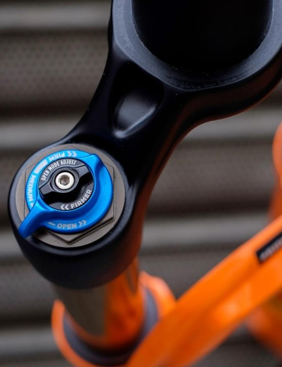 The Fox 32 Step-Cast uses the an XC version of the FIT4 damper, with low speed compression and lockout adjustments that should be familiar to most users