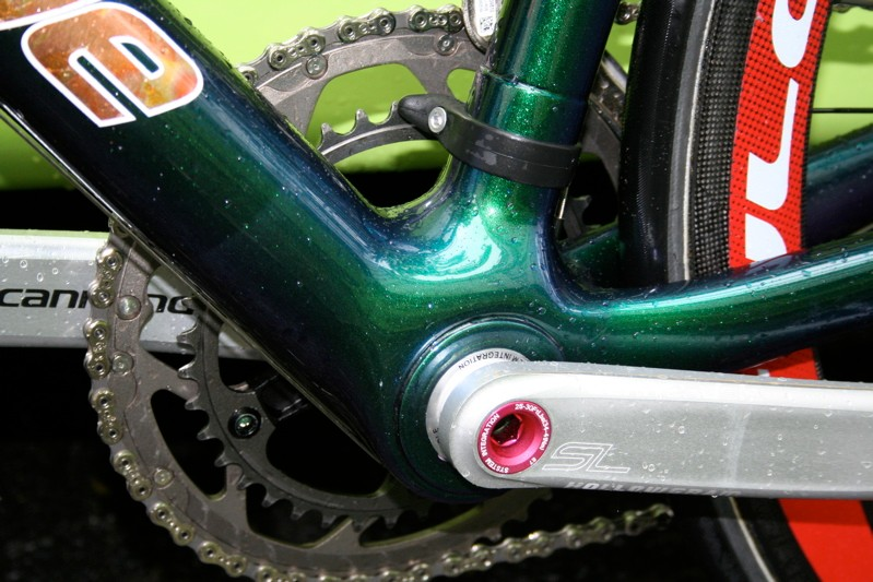 The Barza paint scheme has been meticulously cared for by the Liquigas mechanics - even the bottom bracket area is still pristine.
