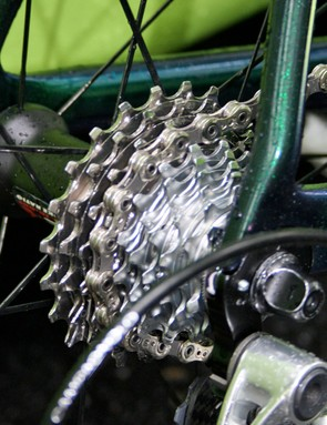 The largest sprockets of the Record cassette are titanium - and how clean is it!