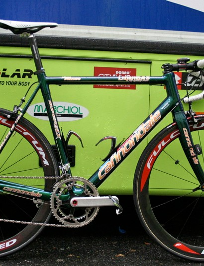 Filippo Pozzato's Cannondale SuperSix features an entirely unique paint scheme.