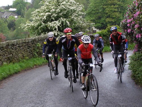 Early group on Holbeck Lane in 2007.