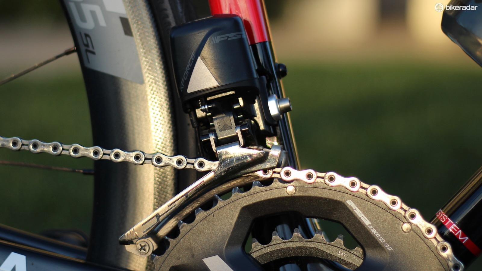 The front derailleur shifts with crisp power and certainty, like a bouncer at a high-end nightclub removing a drunk