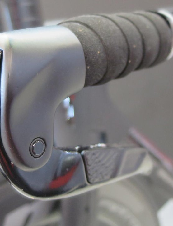 The new TT brakes feature rocker shifter levers integrated into the brake lever