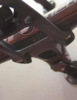 The out-front head unit bolts into the 6D's underside