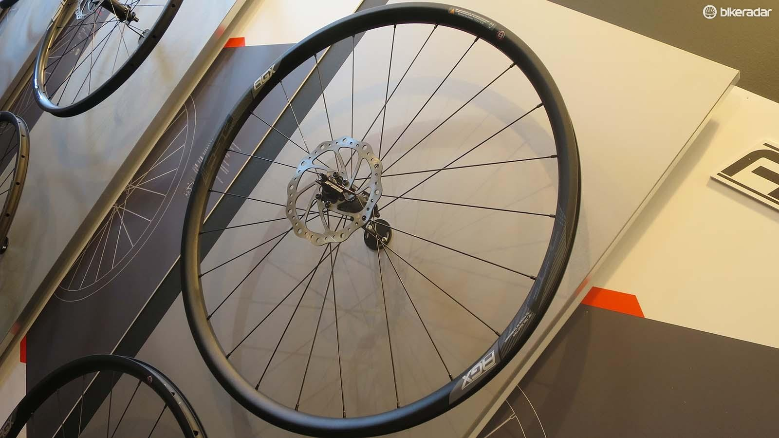 The new carbon tubeless-ready AGX wheelset