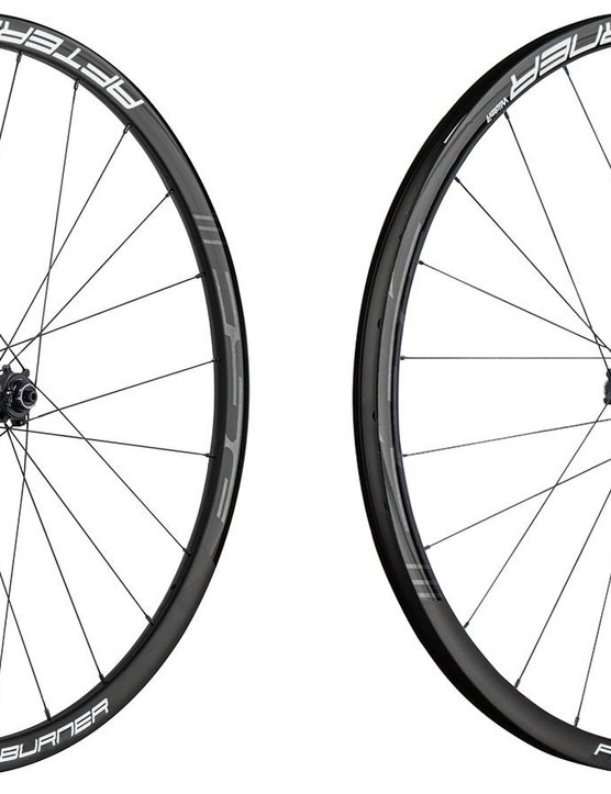 Both 27.5 and 29in wheels are offered. They're tubeless ready, and compatible with Shimano or SRAM XD freehubs