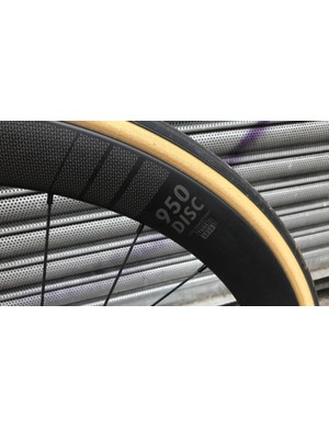 The Oval Concepts 950 wheels boast deep section rims
