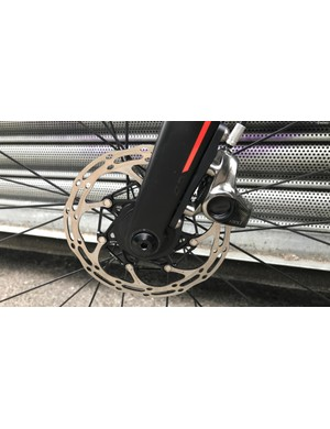 SRAM Red hydraulic disc brakes provide smooth, reliable braking