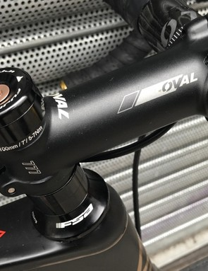 Fuji has opted against an integrated handlebar and stem