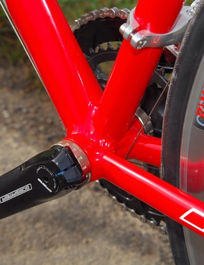 The bottom bracket area is slightly flexible, but maybe we're just used to super-rigid carbon frames