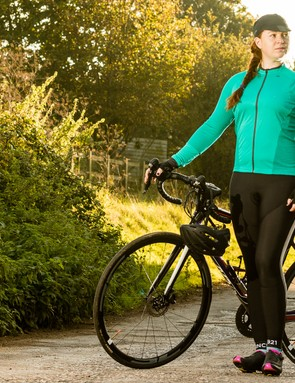 The FWE ensemble of the LTR jersey and the Coldharbour thermal bib tights together comes in at under £100