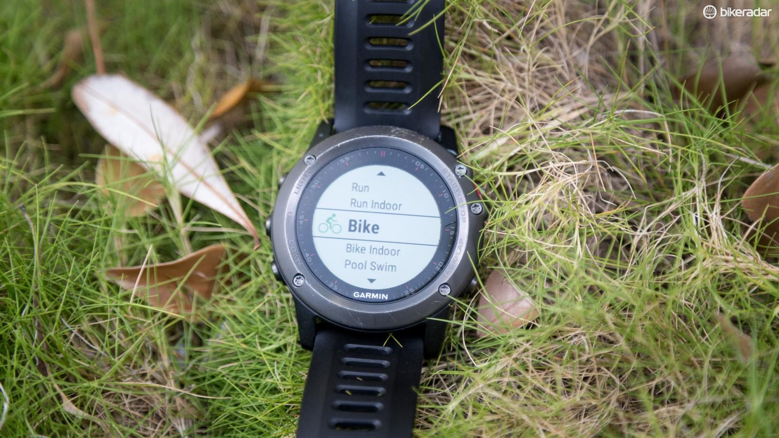 Like the Forerunner 920XT and VivoActive there are plenty of multisport modes